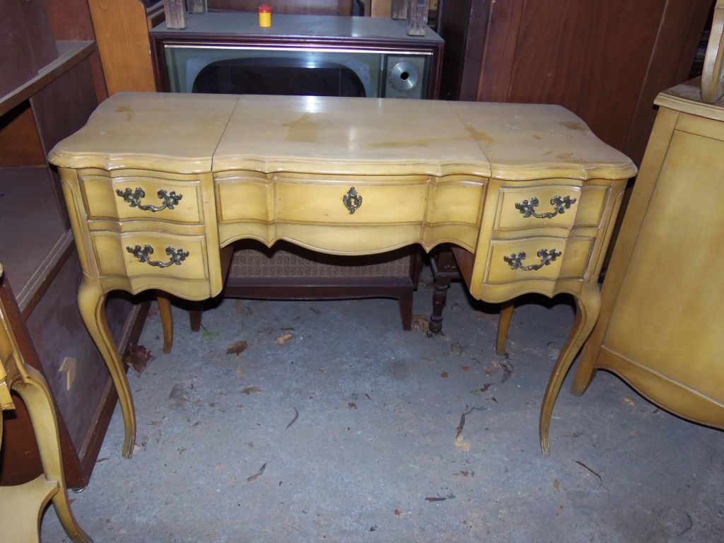 French Provincial Vanity Makeover Funcycled