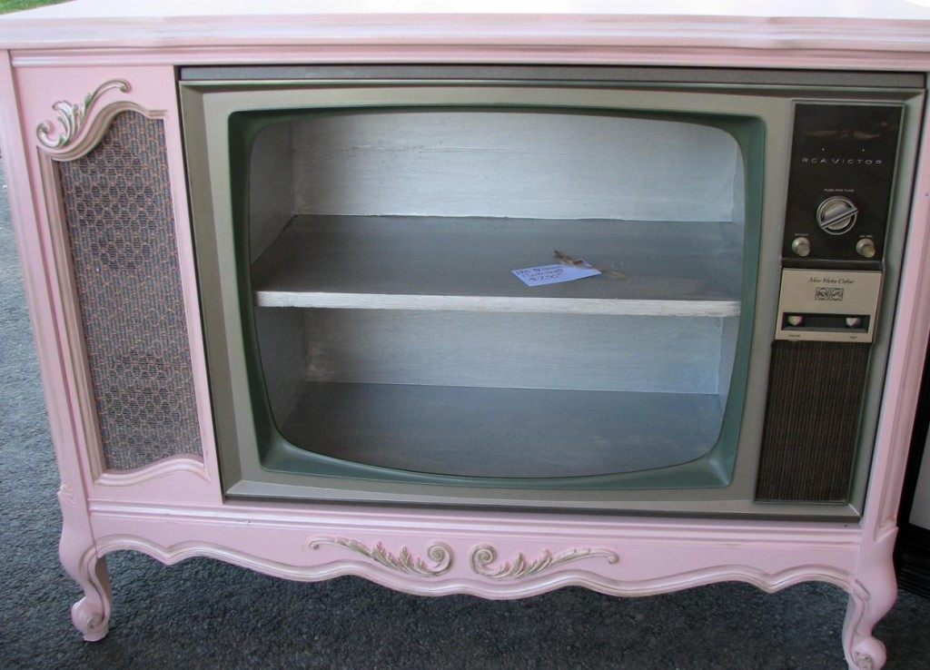 Pink Console TV