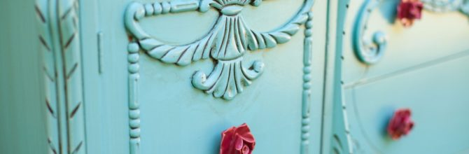 Go Bold! Turquoise Buffet – Tuesday's Treasures