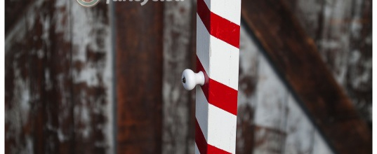 No mantel? No problem! Candy Cane Christmas Stocking Holder – Tuesday's Treasures