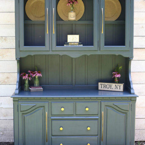 Blue/Gray Hutch