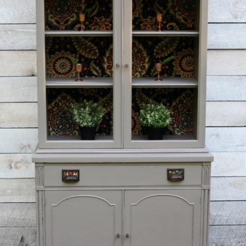 Gray/Beige Hutch