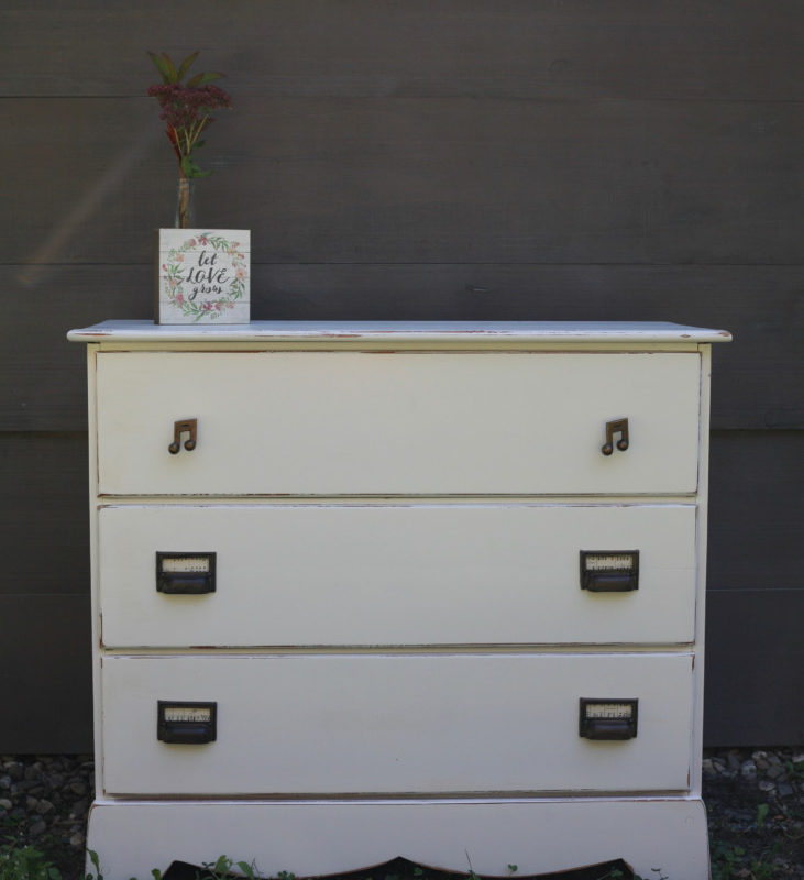 White Music Dresser