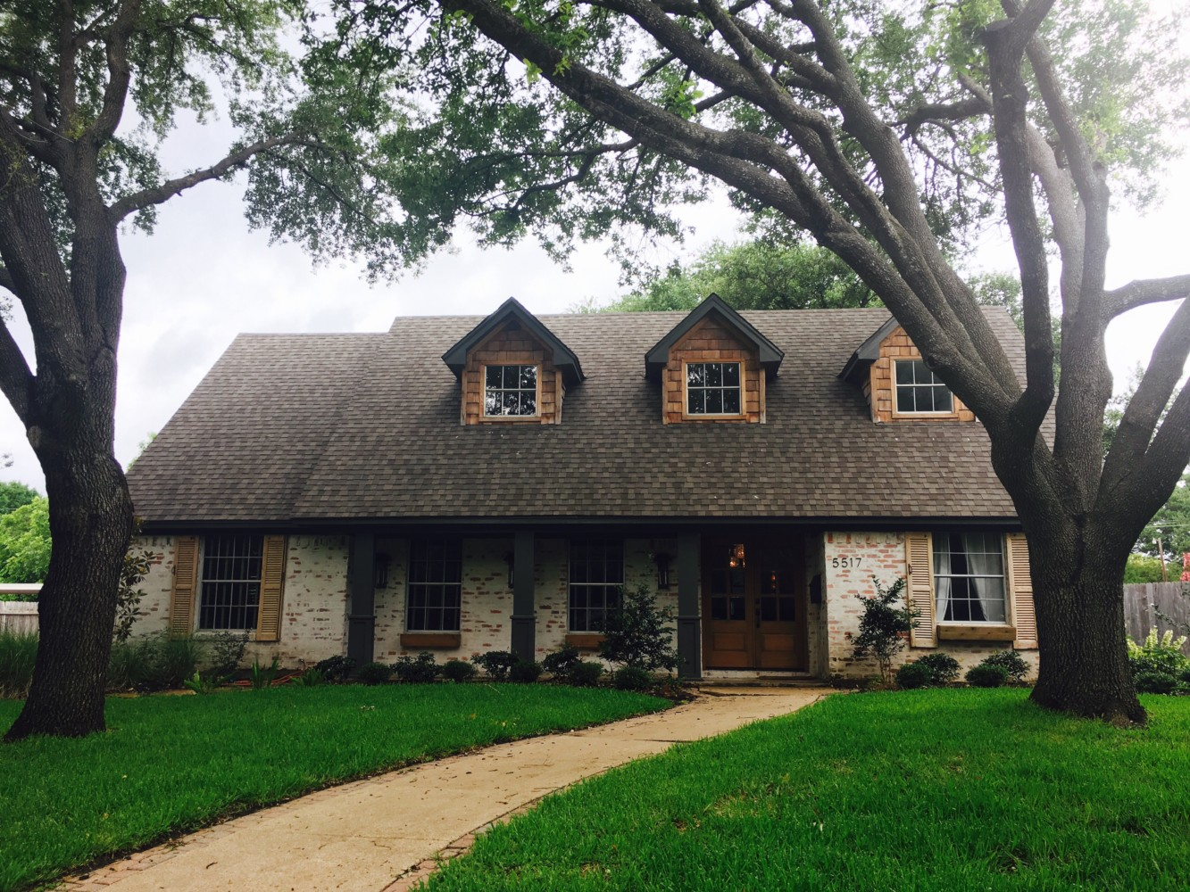 Driving Tour Of 10 Fixer Upper Home Makeovers Funcycled,Disney Christmas Outdoor Decorations
