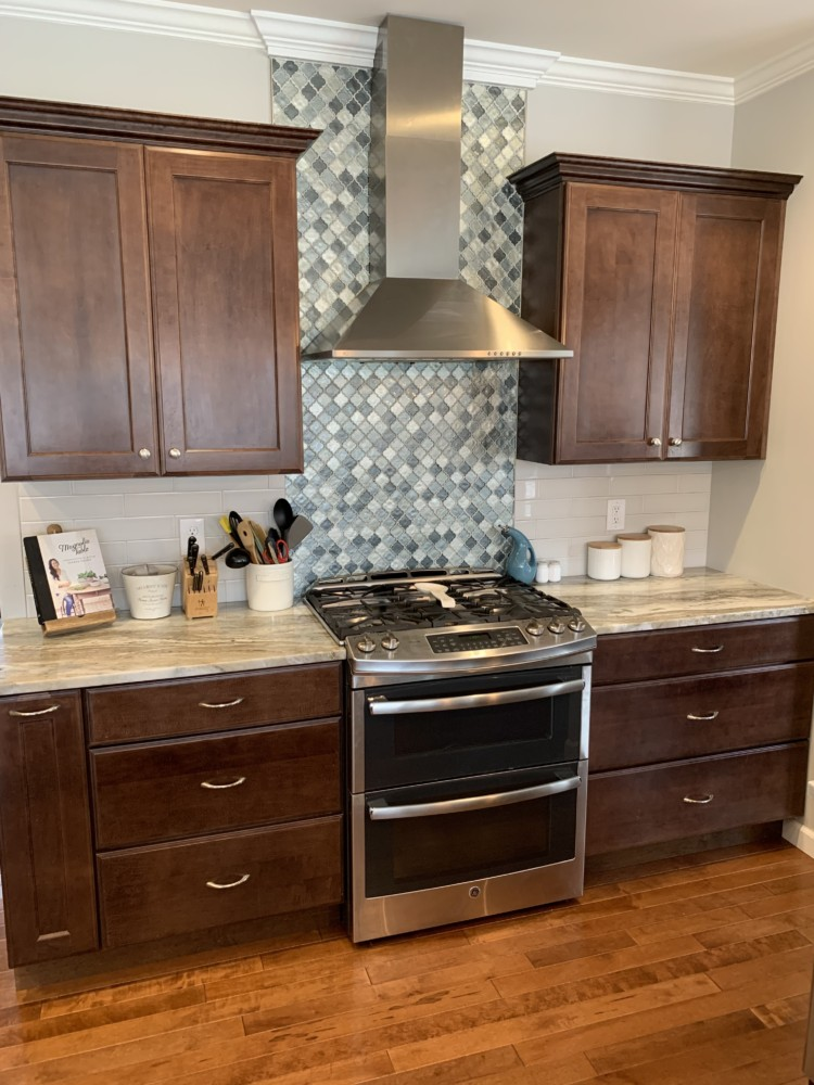 Simply White and Chelsea Gray Kitchen Cabinet Makeover ...